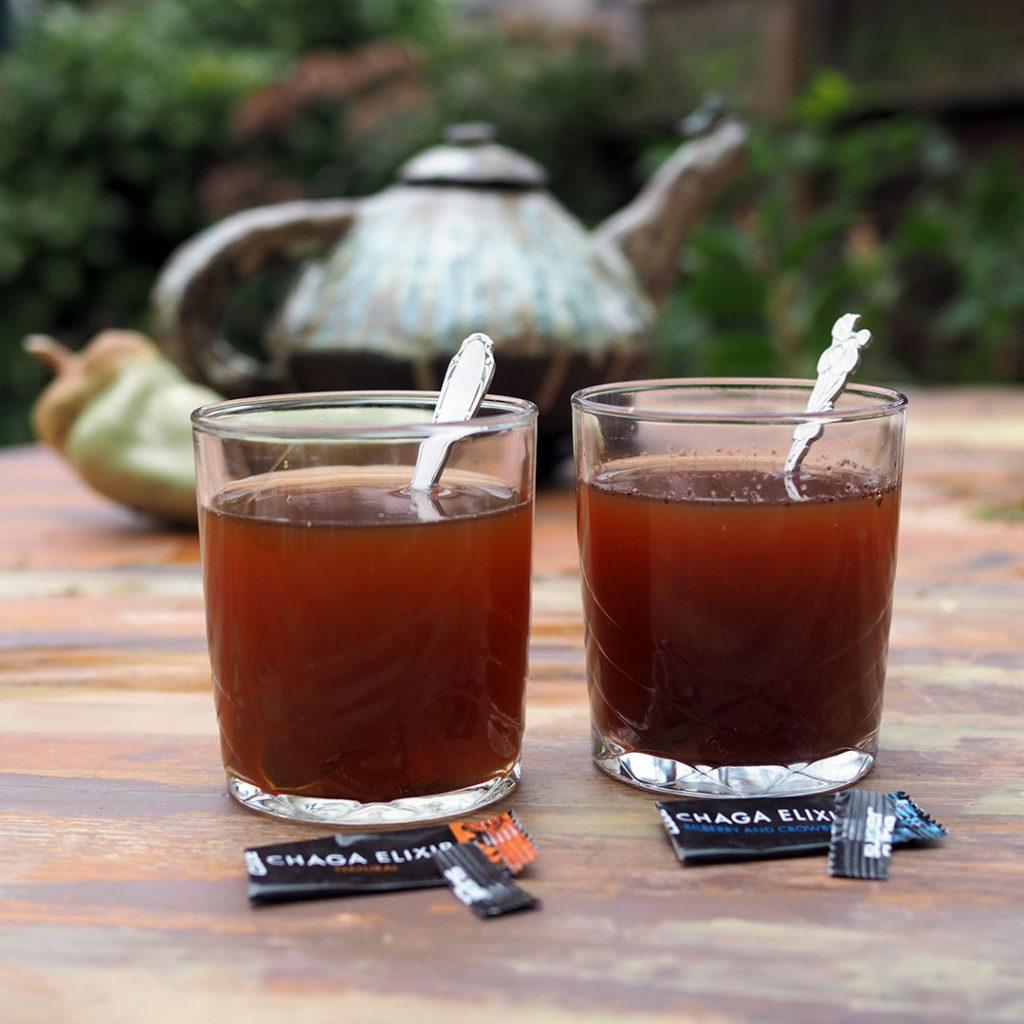 Chaga elixir in glas